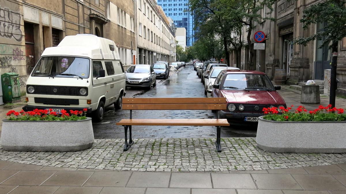 1-Widok na Oleandrów od Marszałkowskiej